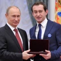 The President of Russia Vladimir Putin and Konstantin Khabenskiy (named the Artist of the People) (2012)